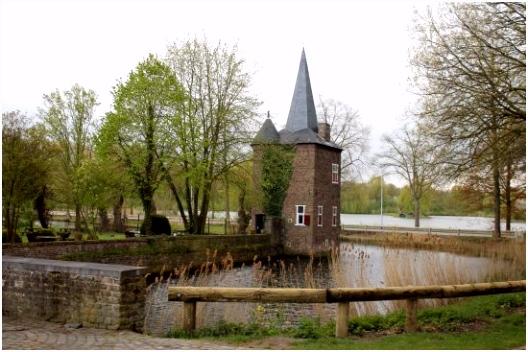 Виды замка Foto van Kasteel Hoensbroek Hoensbroek TripAdvisor