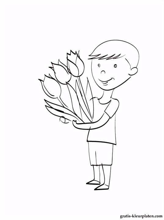 Jongen met een boeket van bloemen