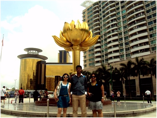 Pic Van Lotusbloem Golden Lotus Square Picture Of Lotus Square Macau Tripadvisor I1in28exy4 Tvzam2alc5