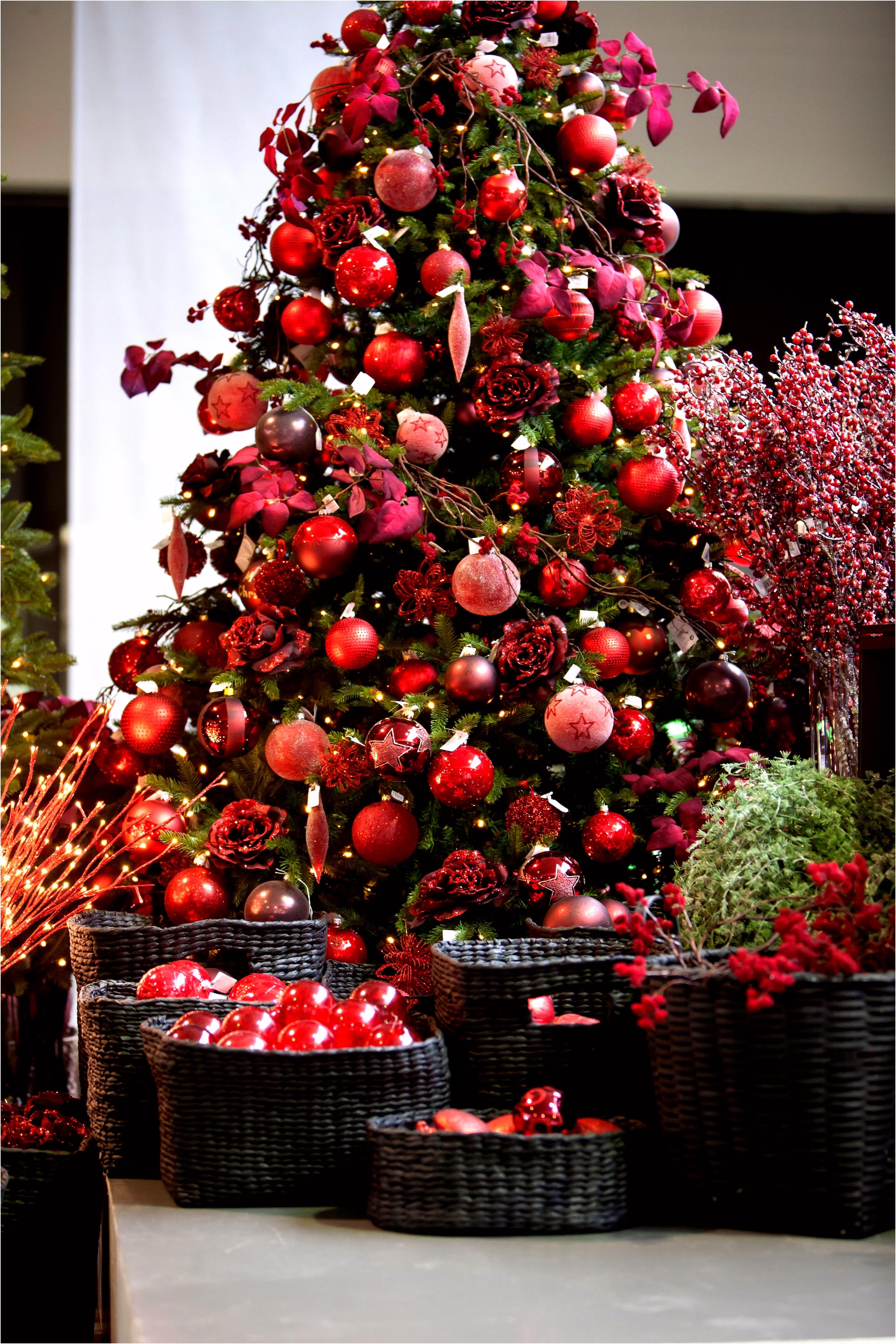 Prettige Feestdagen Deurhanger thema Rood Met Prachtige Kerstballen En Fijne Takken sober Niet A8uw05ahu6 Zvidvvwaks