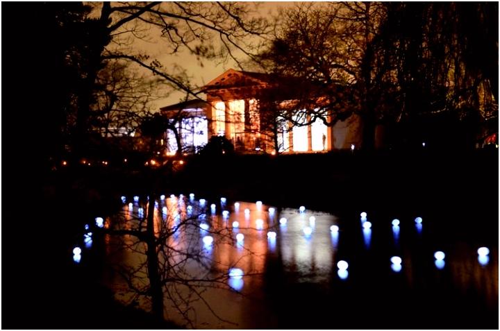 Herinnering in Licht op begraafpark Kleverlaan Sfeervol verlichte