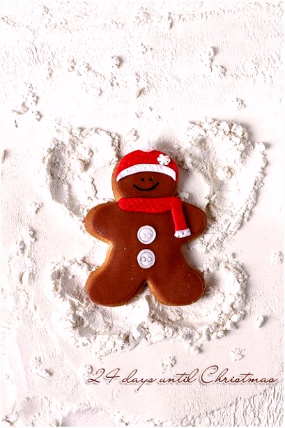 Smurftastische Pepernoten 1 25 Gingerbread Man is Making A Snow Angel Q5bn22ion9 Ehpiumc5ds