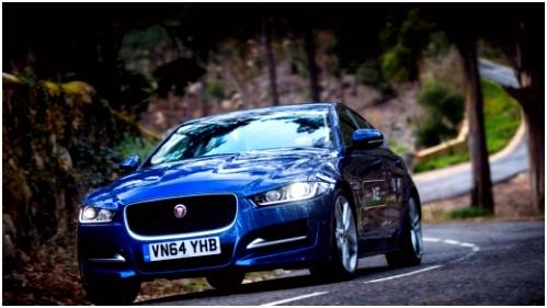 Jaguar XE Brits dynamiet VROOM
