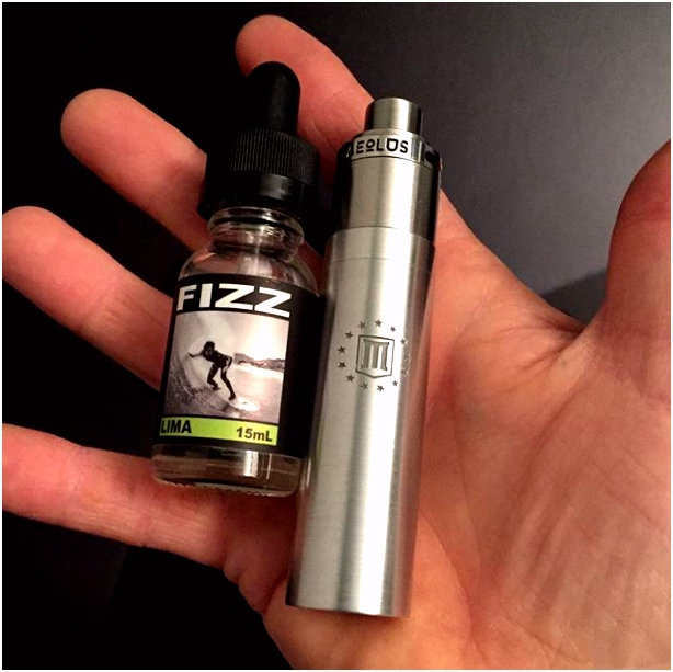 Got called out for a MADhand check by my man vape o five Drippin