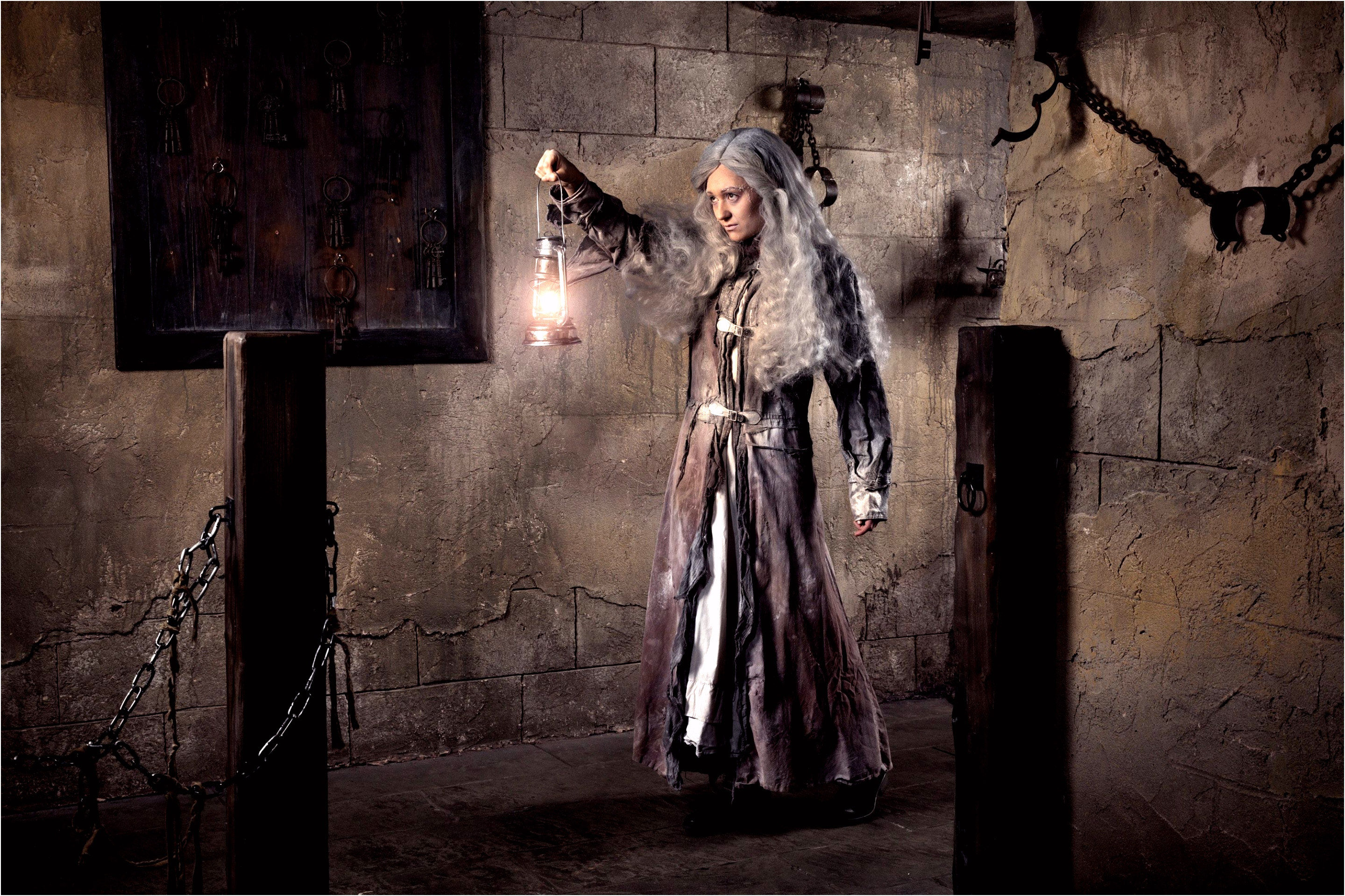 Amsterdam Dungeon Ghosts Using atmospheric special effects to