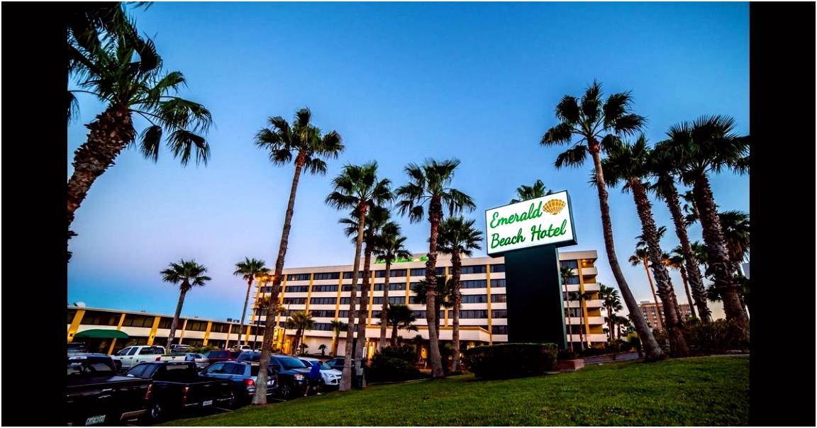 Emerald Beach Hotel from C$ 147 C̶$̶ ̶1̶8̶6̶ Corpus Christi