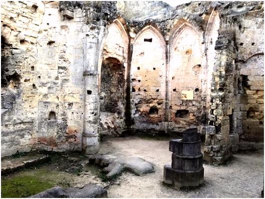 photo2 Picture of Castle Ruins & Velvet Cave Valkenburg