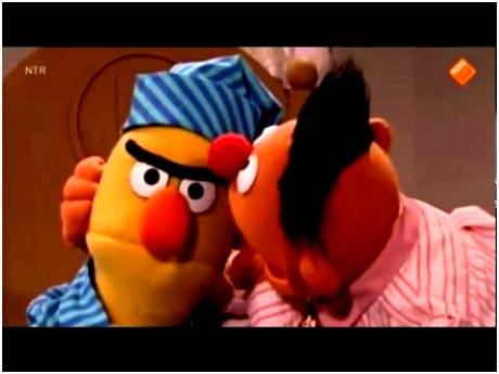 Bert en Ernie sta op Bert en Ernie