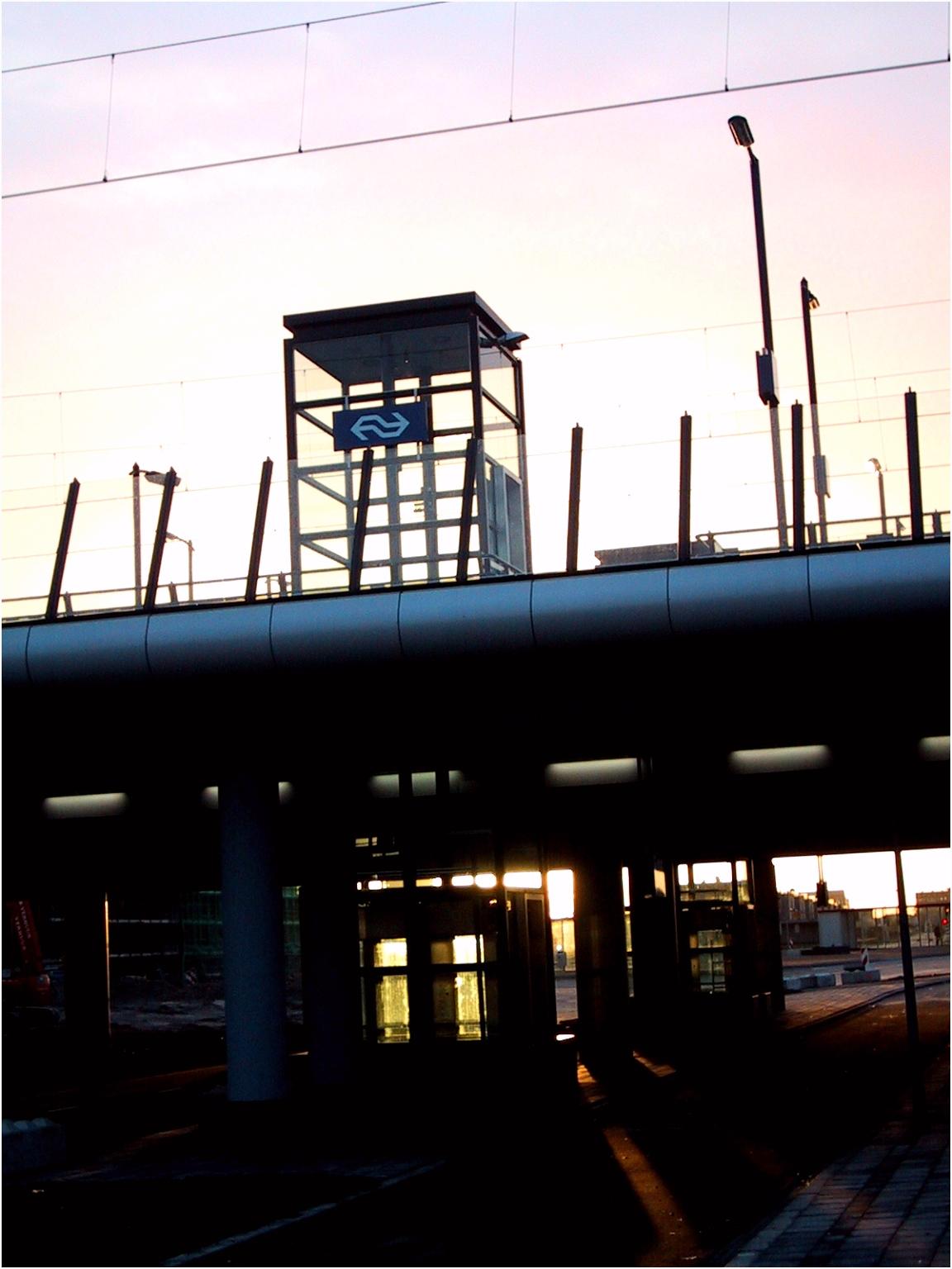 Almere Oostvaarders railway station