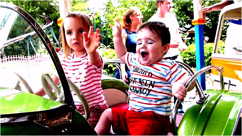 Carrousel Pretpark de Valkenier Draaimolen voor kinderen de