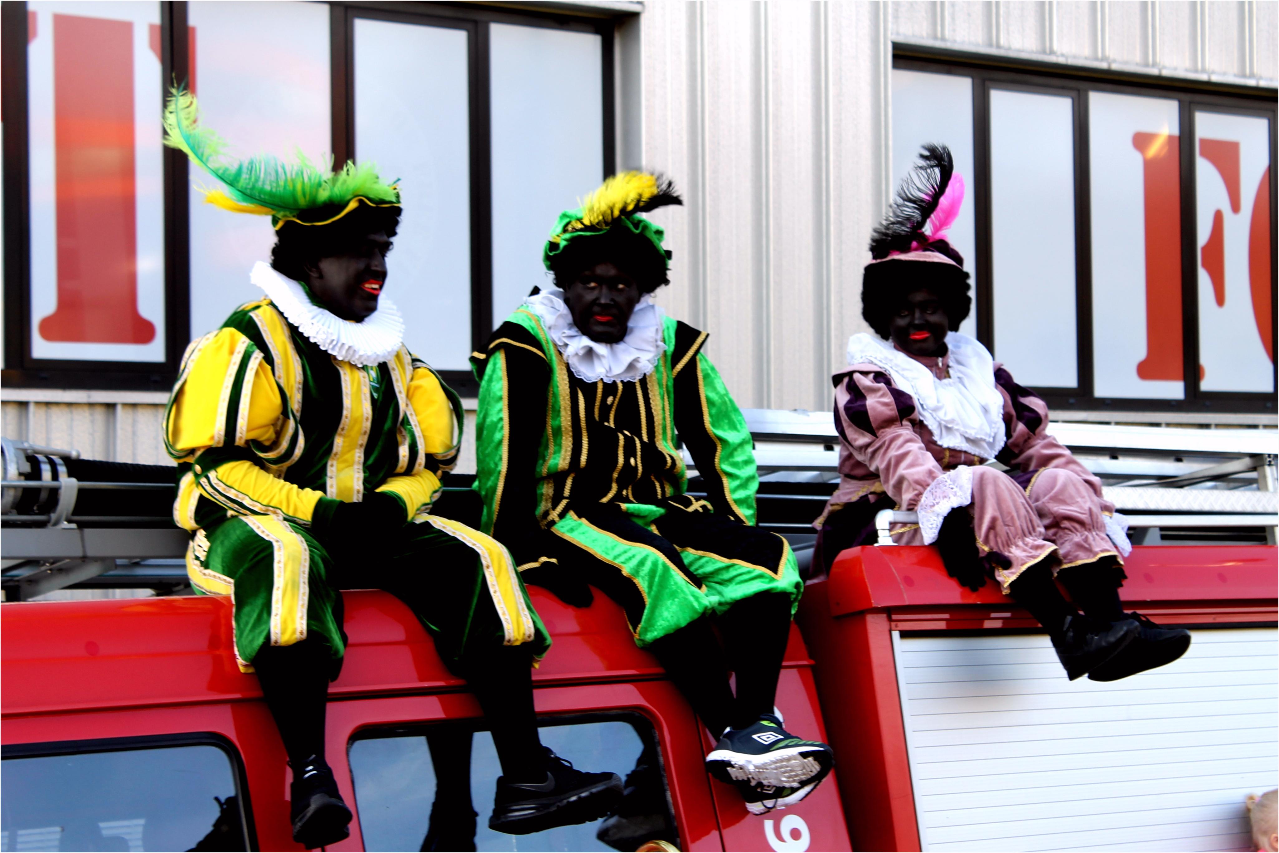 Sinterklaas Kleurplaten Groep 8 Sinterklaas Op Bezoek Bij Jonge Fans In Het Mfc Ado Den Haag J4mb11uxo5 Wmyvu2ykn5