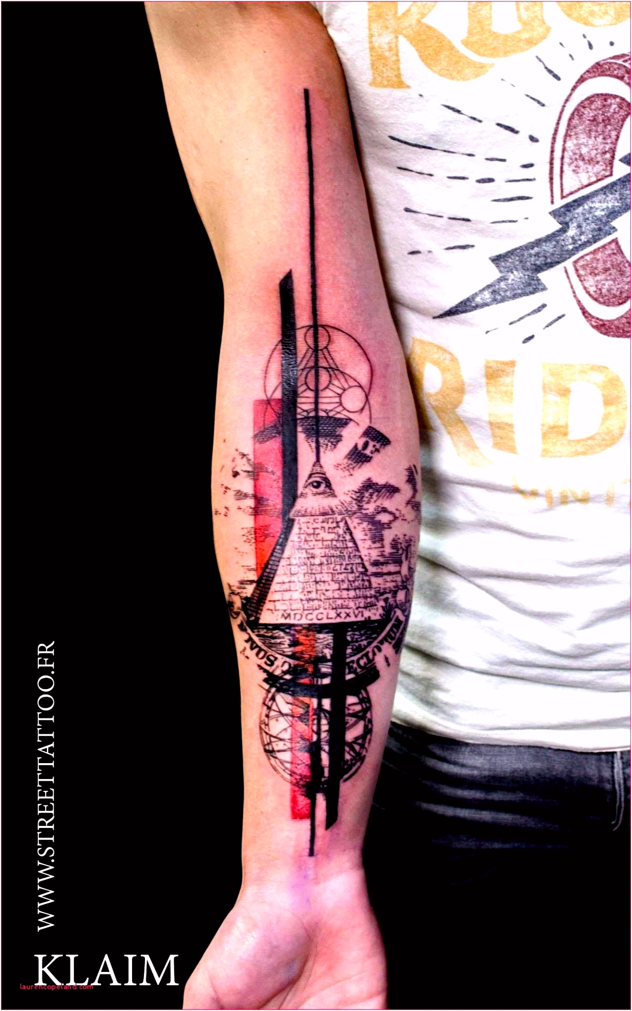 Tattoo Vorlagen Arm Broken Pocket Watch Tattoo by tony Nguyen Tatto