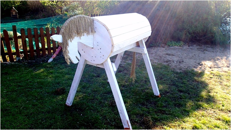 Holzpferd Einhorn für den Garten mein Upcycling DIY Bericht